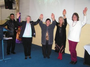 Pas Danny with 4 ladies wo were healed
