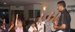 Children / Teenagers receive Jesus